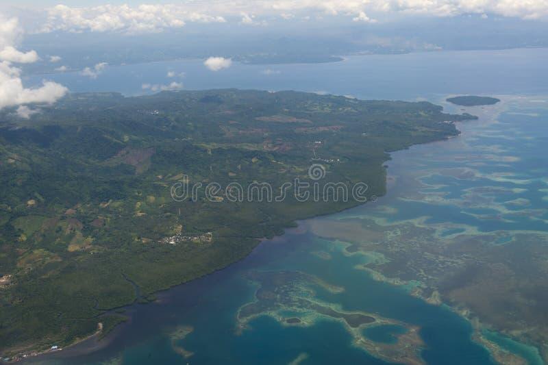 印度尼西亚苏拉威西岛万鸦老地区鸟瞰图 免版税库存照片