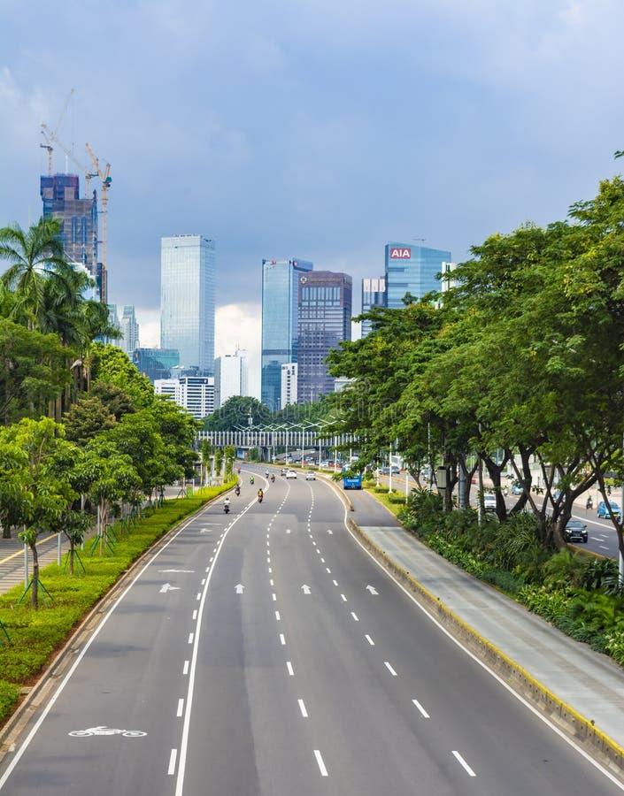 印度尼西亚雅加达 — 2020年4月3日:雅加达中部苏迪曼街的空荡荡或荒废 免版税库存照片