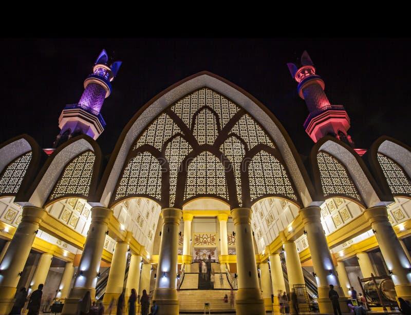 印度尼西亚龙目岛马塔拉姆西努萨登加拉伊斯兰中心哈卜汶瓦坦清真寺 库存图片