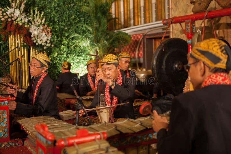 印度尼西亚- 6-5-2012 : 传统音乐家 免版税图库摄影