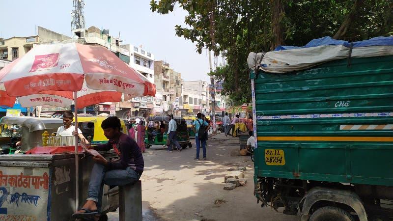 印度帅哥、印度路、印度人民和印度普遍的staychu 免版税库存图片