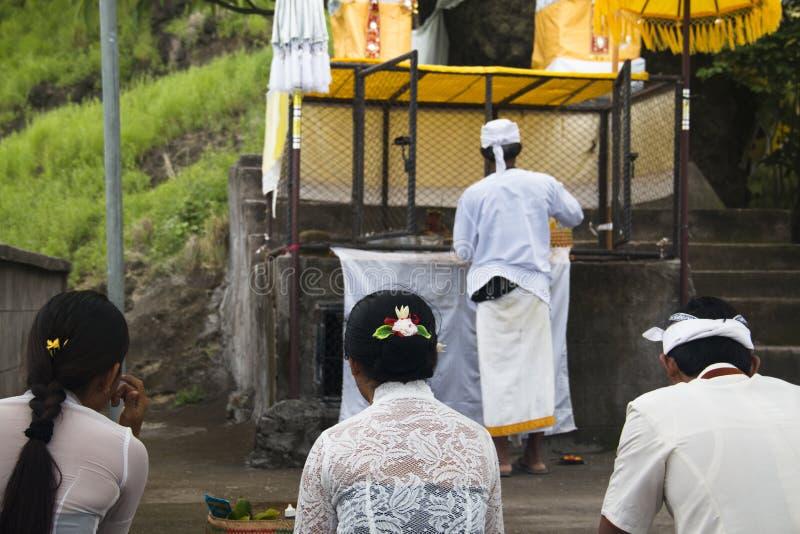印度教士在巴厘岛,印度尼西亚 免版税库存照片