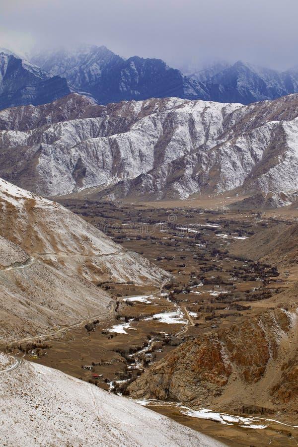 印度斯谷和冻路向张La,拉达克,查谟和克什米尔 图库摄影