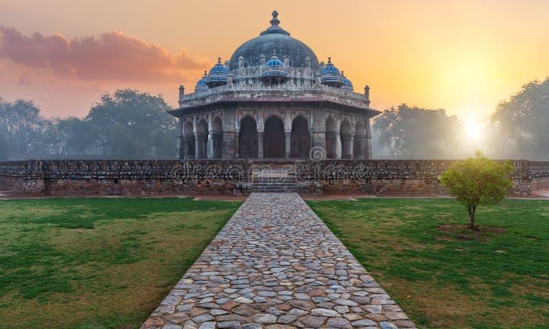 印度新德里伊萨汗墓 免版税库存照片