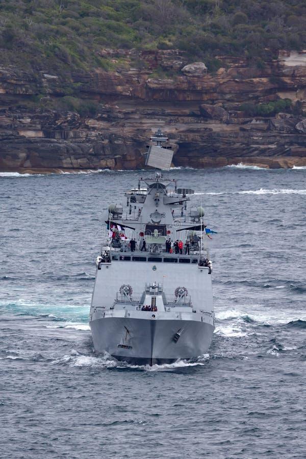 印度海军离去的悉尼港口的INS Sahyadri F49 Shivalik班的秘密行动多角色大型驱逐舰 库存图片