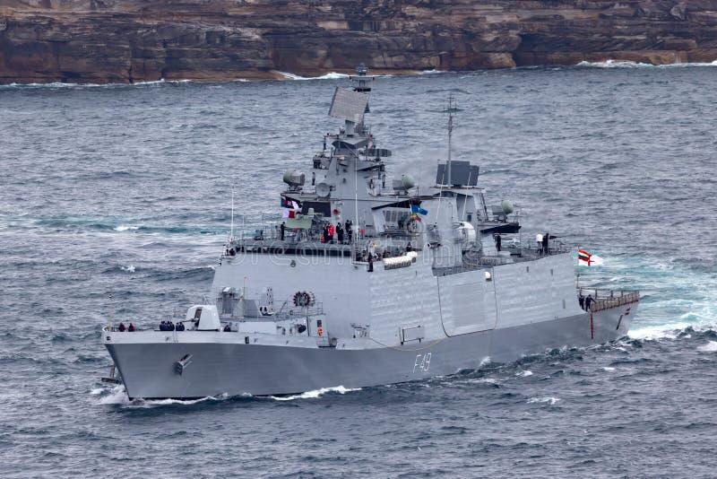 印度海军离去的悉尼港口的INS Sahyadri F49 Shivalik班的秘密行动多角色大型驱逐舰 库存照片