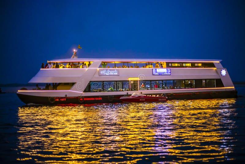 印度瓦拉纳西豪华邮轮|旅游船 库存照片
