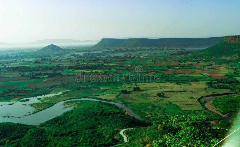 印度的绿色山谷鸟瞰图  图库摄影