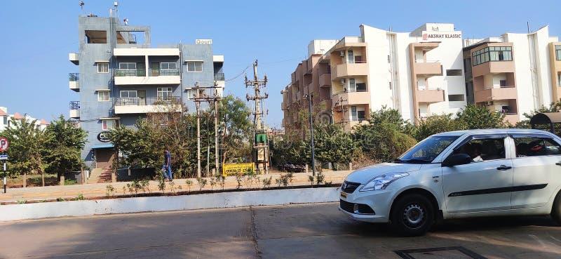 印度胡布利卡纳塔克市一条美丽的街道 库存照片