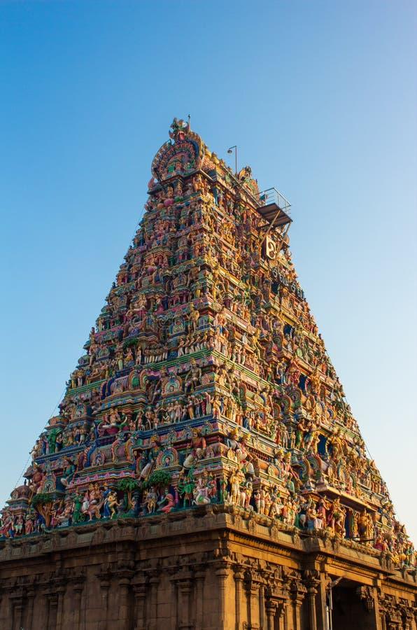 印度钦奈Mylapore市Kapaleeshwarar Temple寺高浦岩塔的美丽景色 免版税库存图片