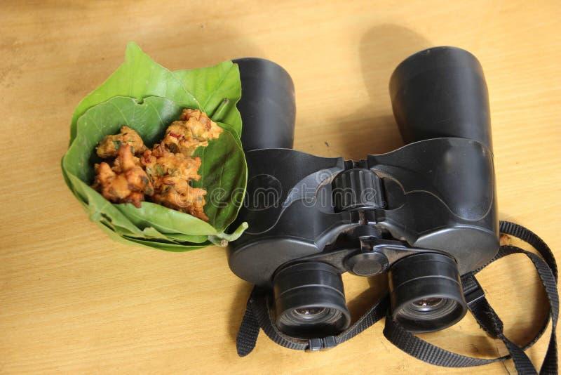 印度食物和印度双筒望远镜 库存照片