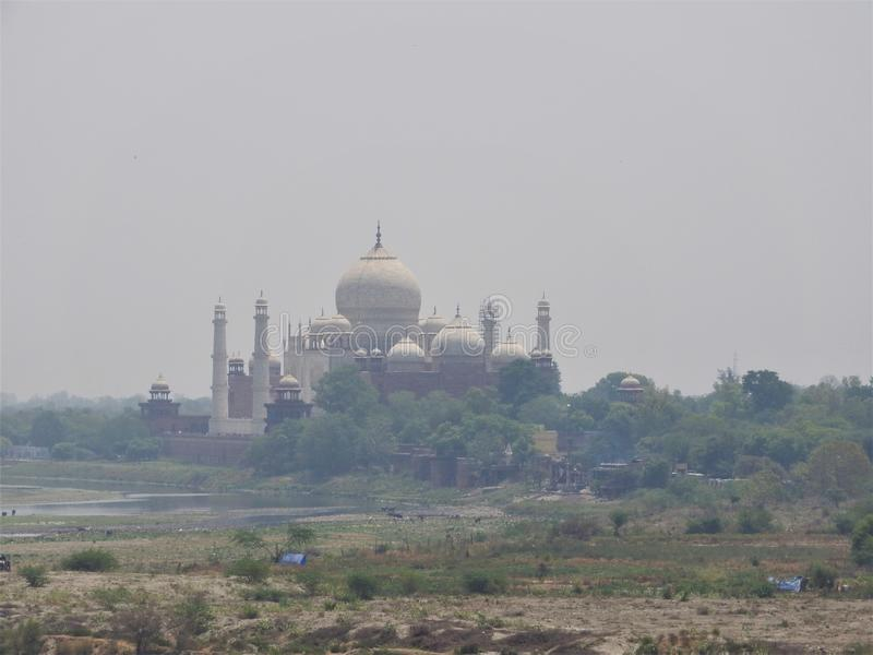 印度 侵略 泰姬陵看法从德里红堡的墙壁的 免版税图库摄影