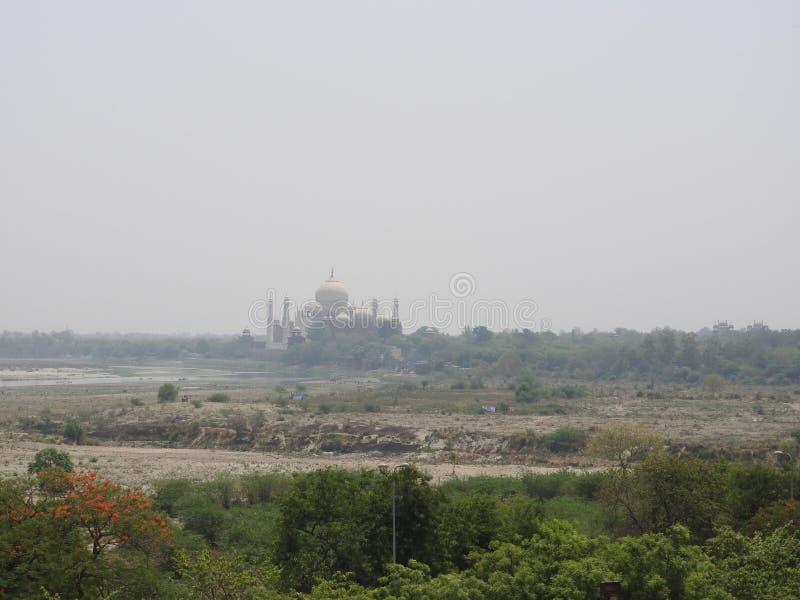 印度 侵略 泰姬陵看法从德里红堡的墙壁的 库存图片