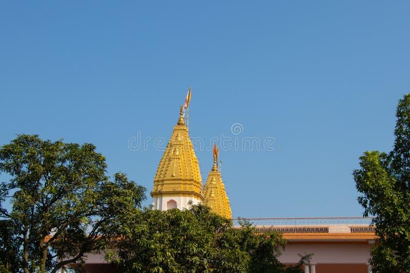 印度tample顶视图,在天空蔚蓝背景  免版税图库摄影