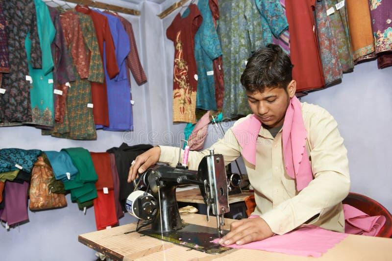 印第安人裁缝画象 免版税图库摄影