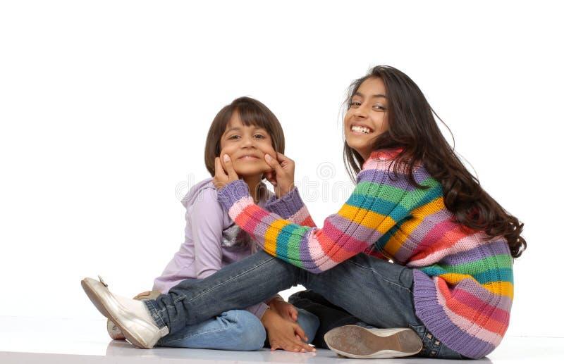 印第安爱恋的姐妹 免版税库存图片