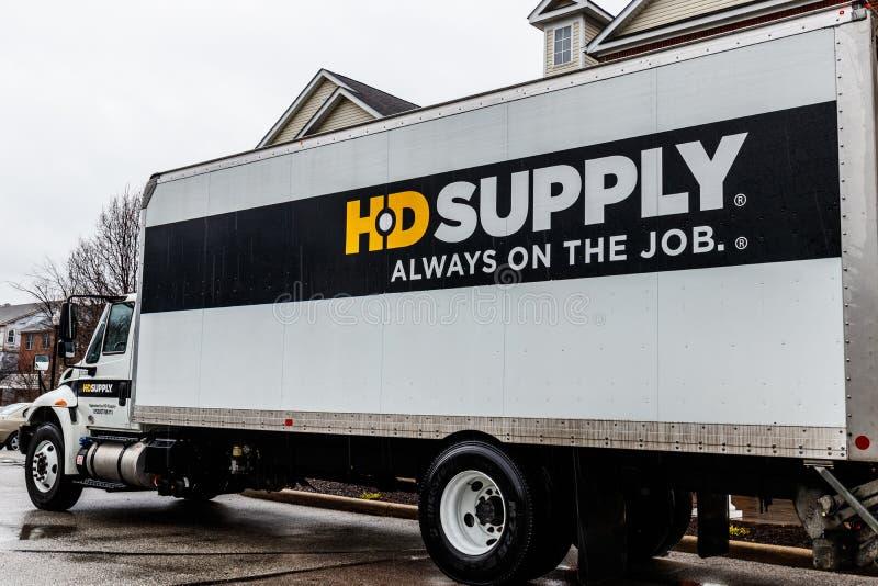 印第安纳波利斯-大约2018年4月:HD供应经销商卡车 HD供应是最大的工业分配者之一III 库存照片