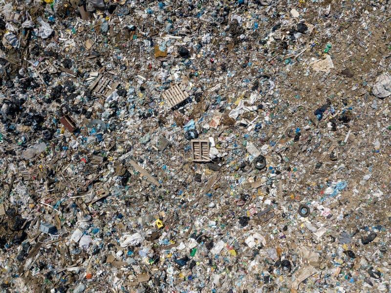 危机生态学环境照片污染 从大垃圾堆飞行寄生虫的空中