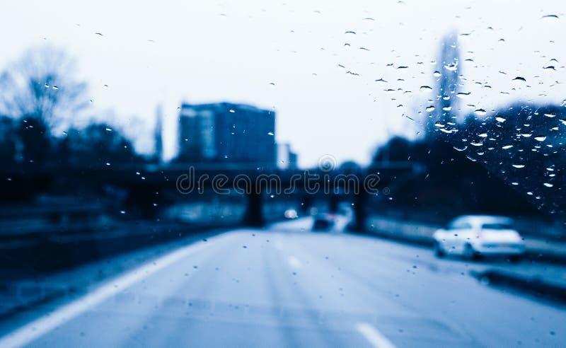 危险驾驶在大雨期间 免版税图库摄影