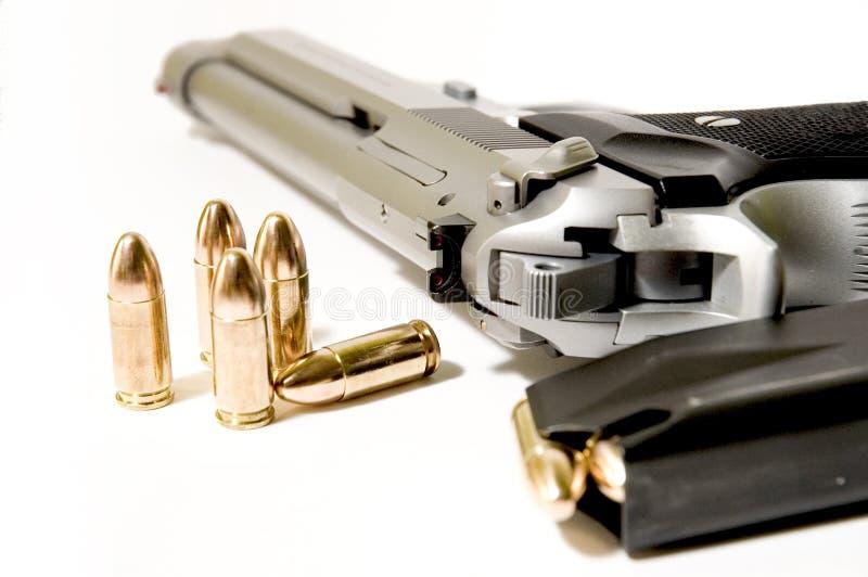 Download 危险 库存照片. 图片 包括有 手枪, 谋杀, 犰狳, 死亡, 射击, 罗斯科, 罪恶, 公告版, 武库, 弹药 - 185890