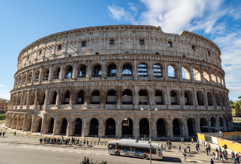 卵形圆形露天剧场在罗马,意大利的中心  免版税库存照片