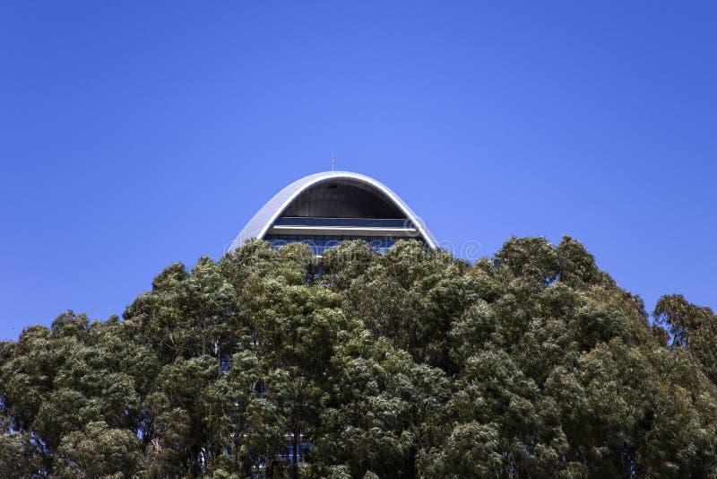 卵形大厦在利马索尔,塞浦路斯 免版税库存照片