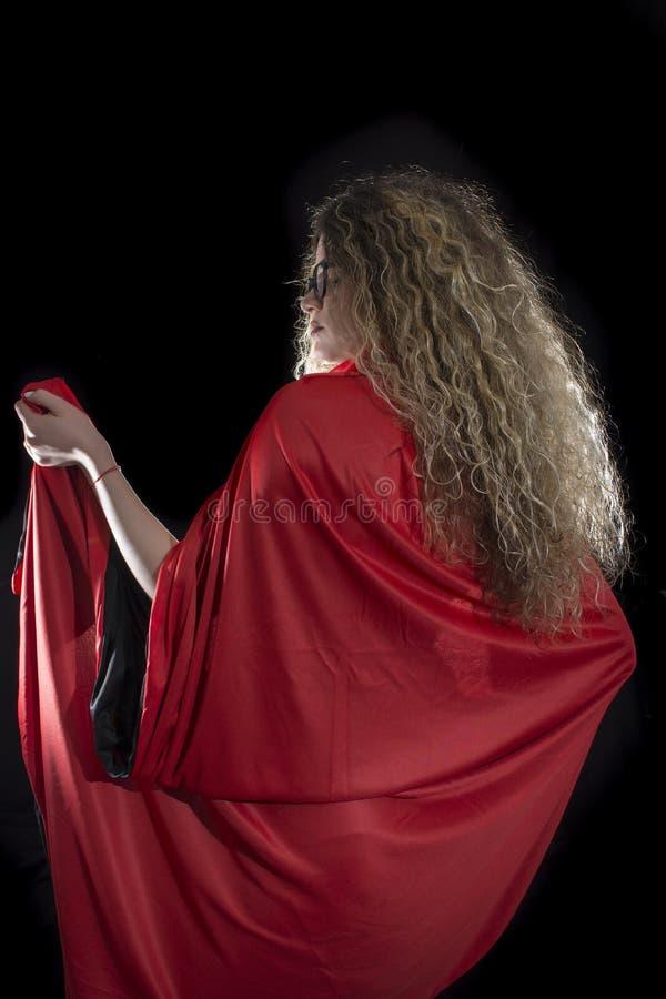 卷曲白肤金发的妇女 库存照片