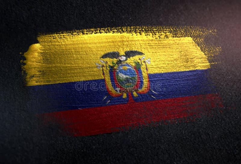 厄瓜多尔旗子由金属刷子油漆制成在难看的东西黑暗墙壁 免版税库存图片