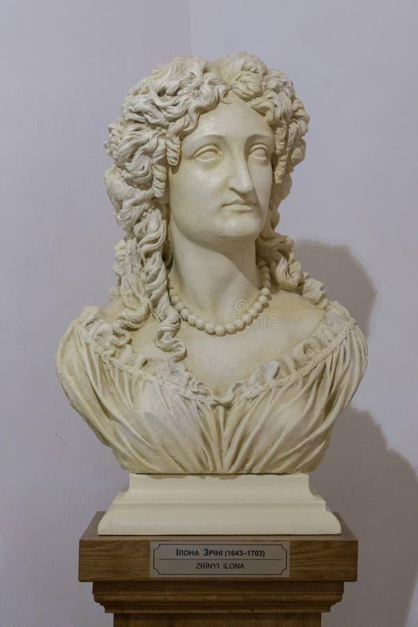 历史上一个妇女` s胸象在有一个纪念勋章的一个博物馆 图库摄影