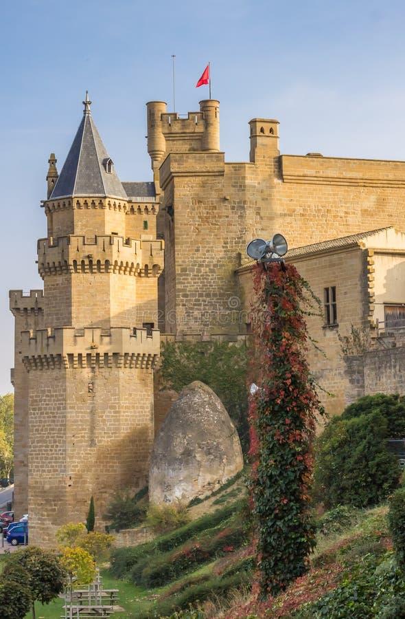 历史城堡在Olite的中心 免版税库存照片