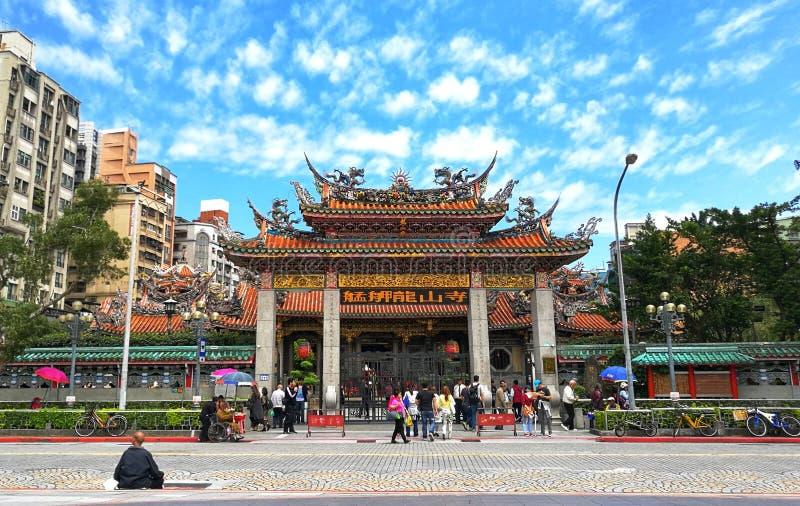 历史大厦,艋舺龙山寺,是中国民间宗教寺庙在皖华区,台北 这是  免版税库存照片