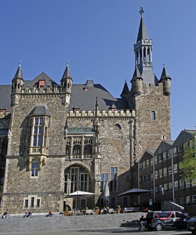历史市政厅的后侧方在亚琛 免版税库存照片