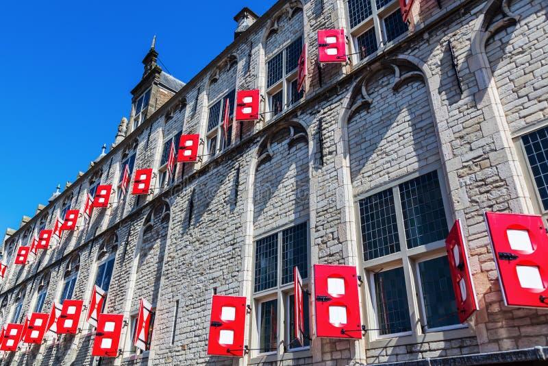 历史市政厅的门面荷兰扁圆形干酪的,荷兰 免版税库存照片