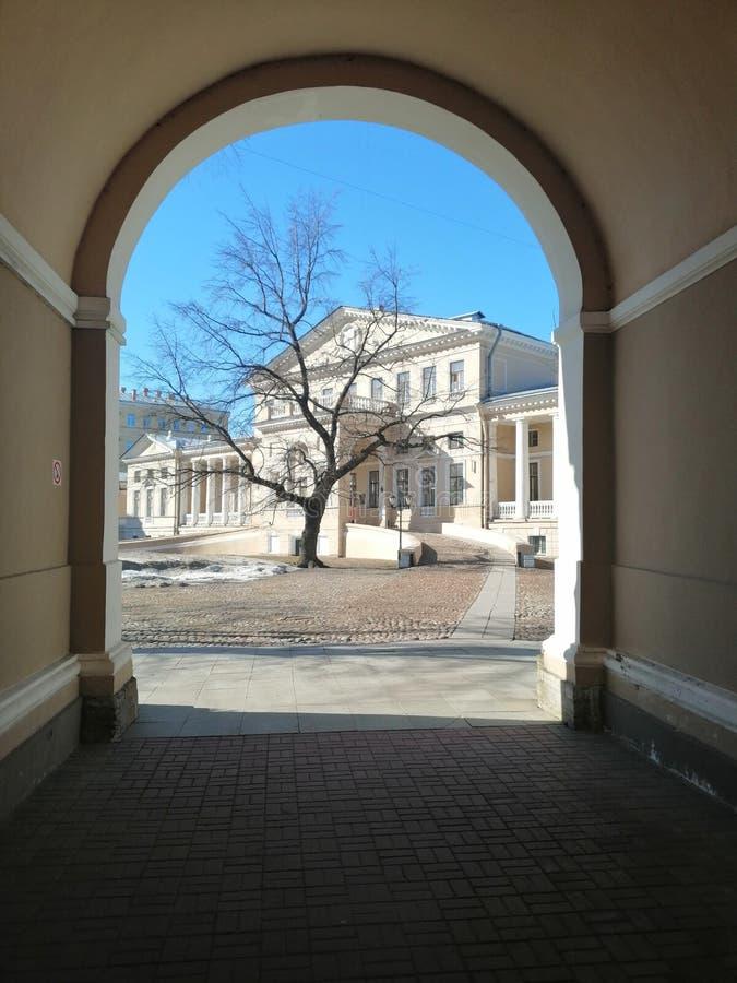 历史建筑的看法与专栏的 库存图片