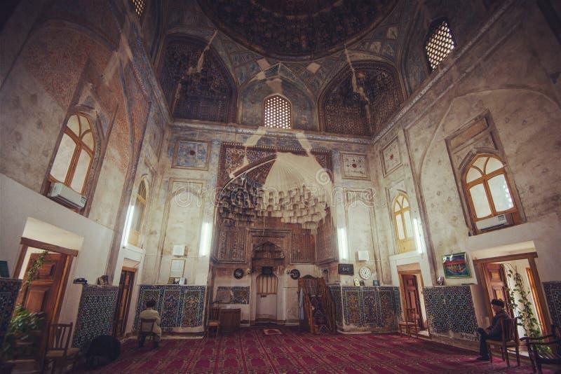 历史的古老回教大厦和塔废墟里面,布哈拉,乌兹别克斯坦 图库摄影