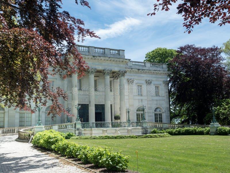 历史的大理石议院的外视图在纽波特,罗德岛 图库摄影