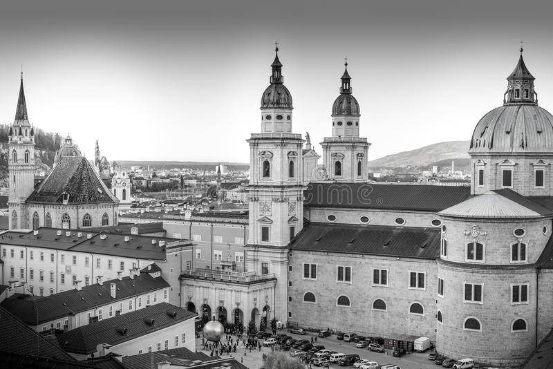 历史的市的都市风景萨尔茨堡 免版税图库摄影