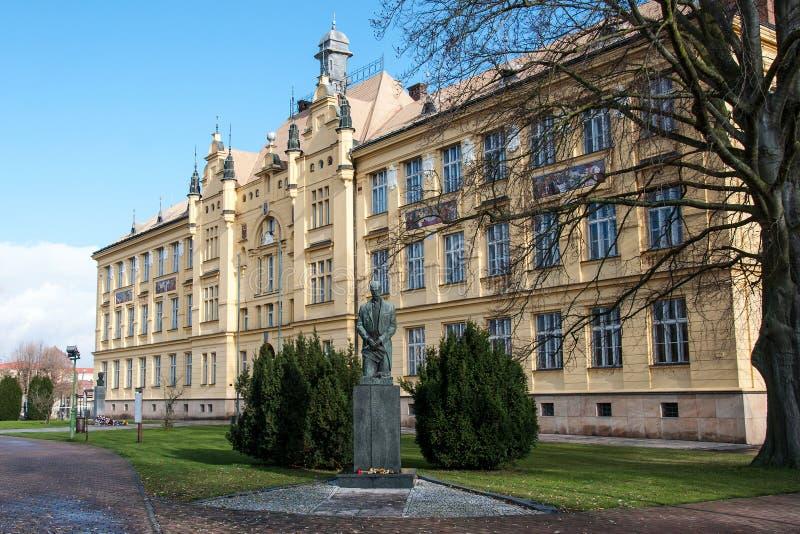 历史的教学楼在Litovel,捷克 免版税库存照片