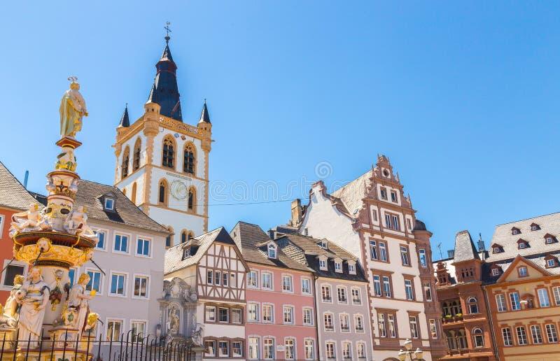 历史的议院门面主要市场实验者莱茵河流域巴列丁奈特Ge 图库摄影