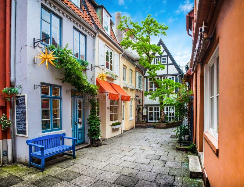 历史的Schnoorviertel的五颜六色的房子在布里曼,德国 免版税库存图片