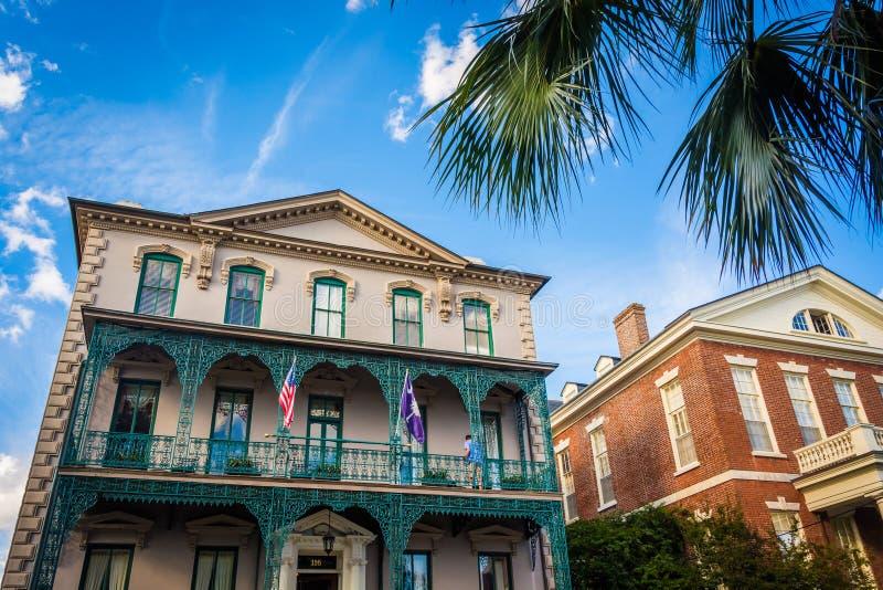 历史建筑在街市查尔斯顿,南卡罗来纳 免版税图库摄影