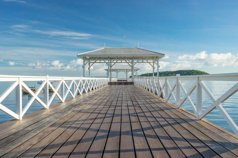 Download 历史Asdang白色桥梁 库存图片. 图片 包括有 历史记录, 空白, browne, 早晨, 泰国, 蓝色 - 62533157