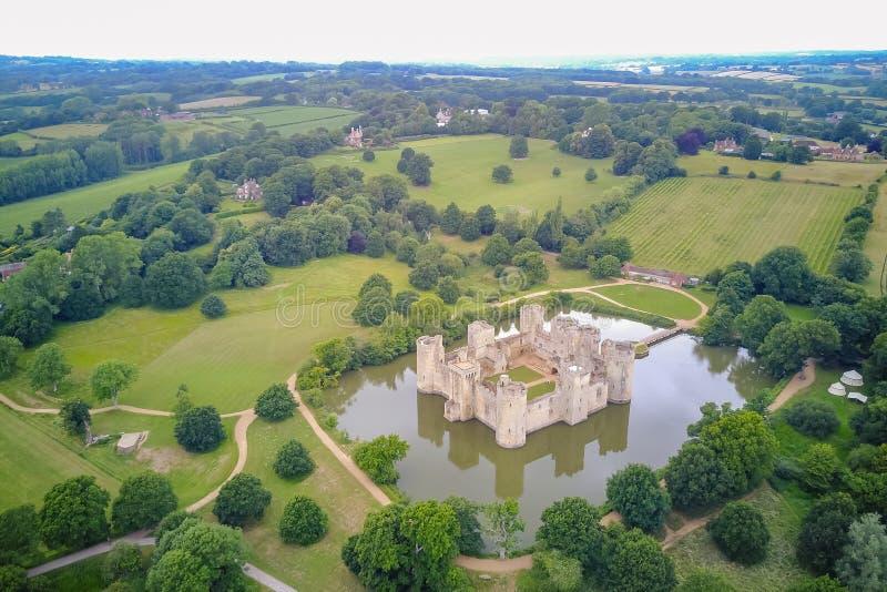 历史Bodiam城堡的鸟瞰图 库存图片