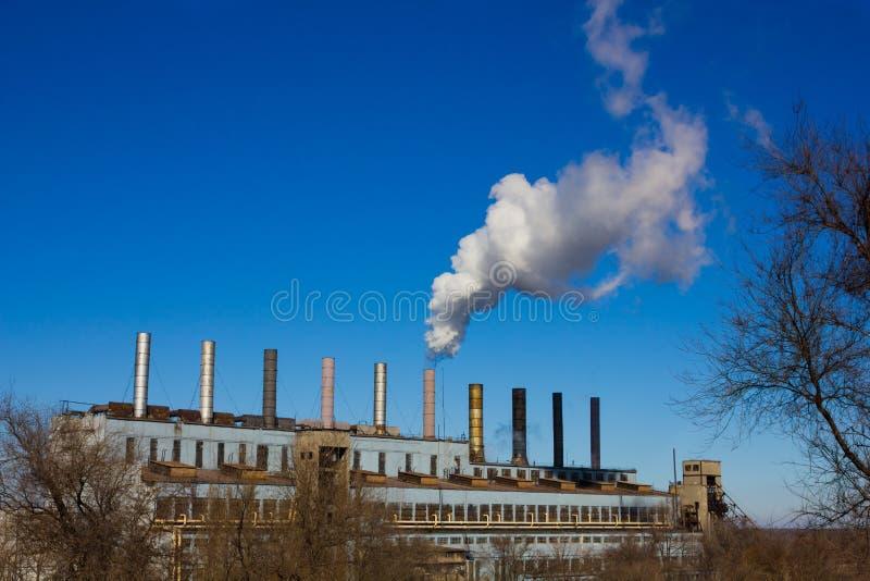 压缩空气装置污染烟 库存照片