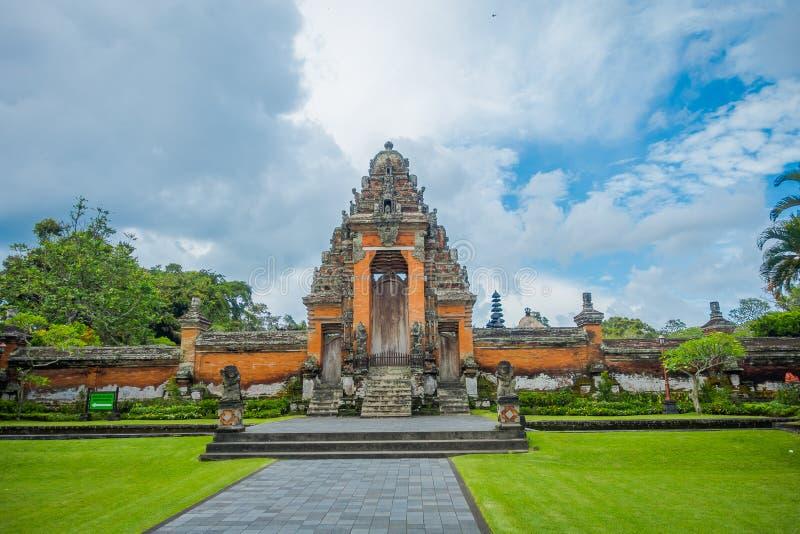 巴厘岛,印度尼西亚- 2017年3月08日:位于Mengwi的Mengwi帝国皇家寺庙,是著名地方的Badung摄政 免版税库存图片