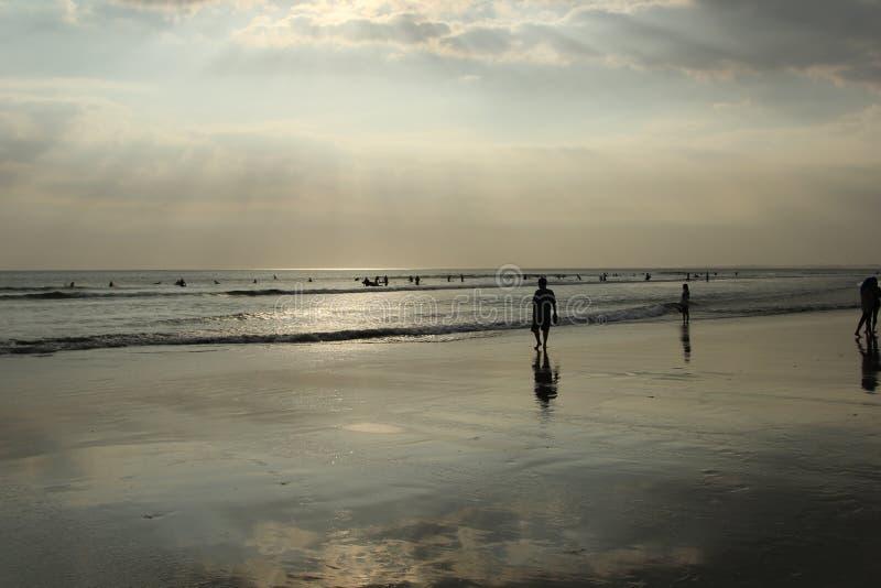 巴厘岛;印度尼西亚;BaliIndonesia;海浪;冲浪;海滩,海滩前;海洋;印度洋;日落 库存照片
