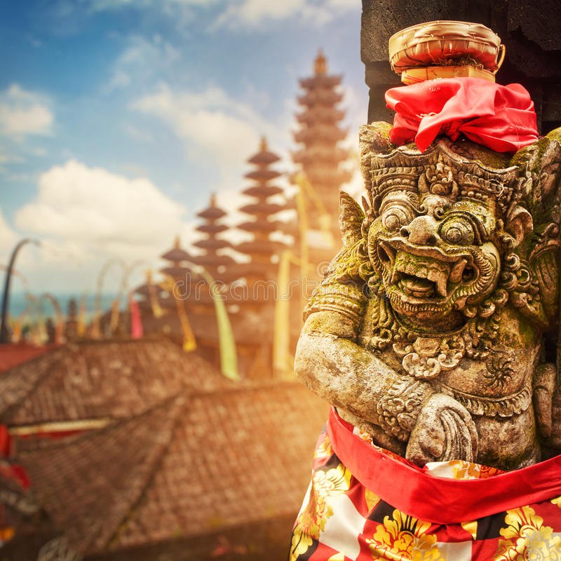 巴厘语上帝雕象 免版税库存照片