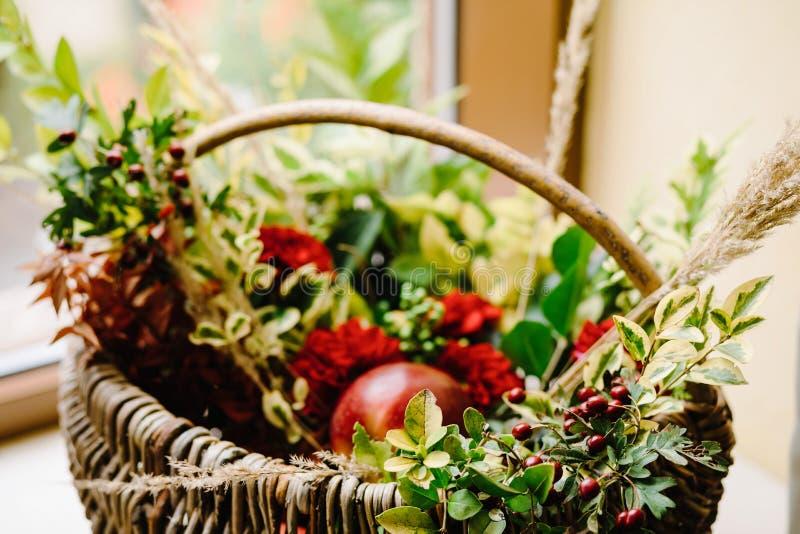 原始的婚礼花卉装饰 秋天装饰,装饰 免版税库存照片