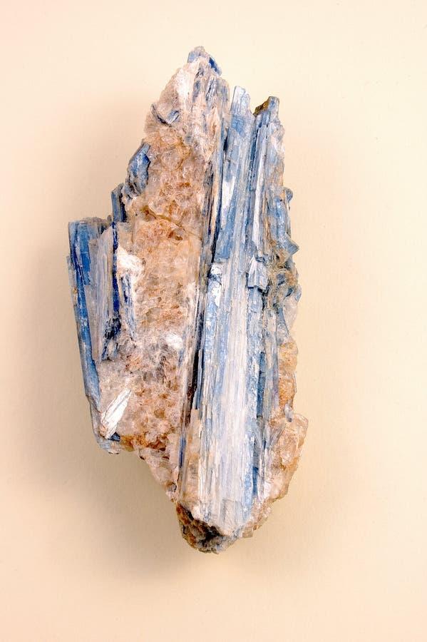 原始的蓝晶石 免版税库存图片