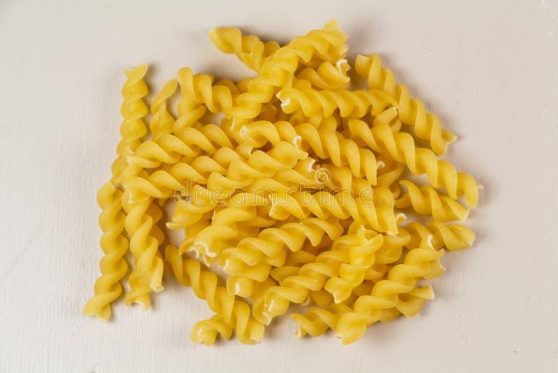 原始fusilli的意大利面食 免版税库存照片